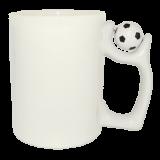 кружка белая с футбольным мячом